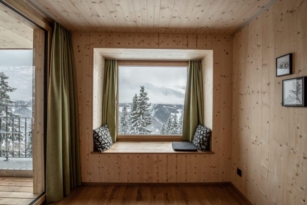 holz 100 doppelzimmer hotel waldhaus bettmeralp aletsch arena. Black Bedroom Furniture Sets. Home Design Ideas