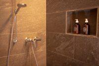 Dusche Holz100 Zimmer